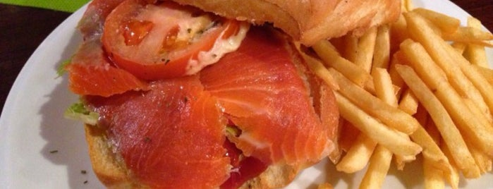City Lunch Cafe is one of Posti che sono piaciuti a dugwin j..