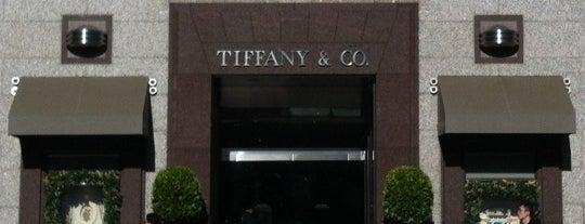 Tiffany & Co. is one of Lieux qui ont plu à Joey.