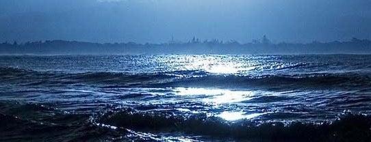 Dido Beach is one of Lugares favoritos de Fulya.