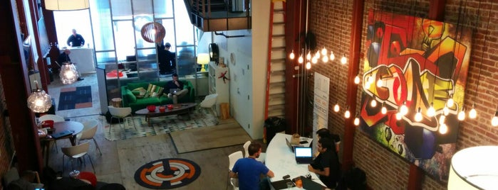 AWS Pop-up Loft is one of Laptop-friendly cafés in SF.