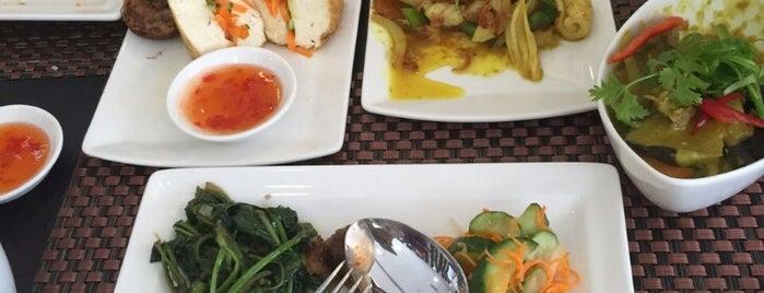 Rasa Sayang Restaurant is one of Hamdan 님이 좋아한 장소.