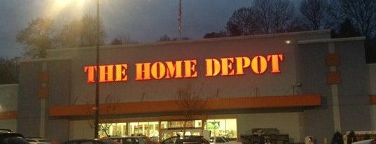 The Home Depot is one of สถานที่ที่บันทึกไว้ของ James.