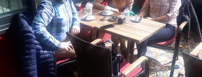 Kahve Dünyası is one of สถานที่ที่ Nurd@n💝 ถูกใจ.