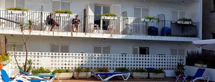 Hotel El Cid is one of Tempat yang Disukai Eva.