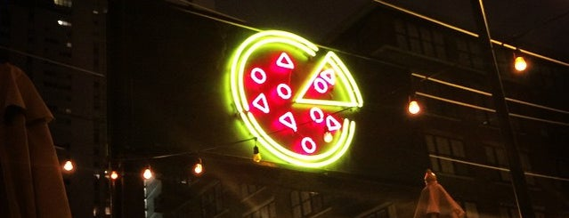 Parlor Pizza Bar is one of West Loop.