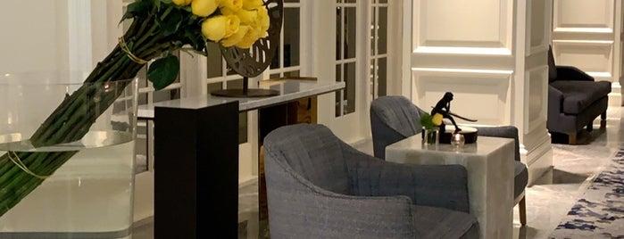 Ritz Carlton Lounge is one of CA.