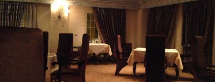 Le Chateau Restaurant | لو شاتو is one of 021 Favorites.
