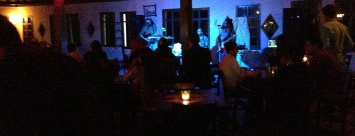 Emirgan Cafe ve Bar is one of Melis : понравившиеся места.