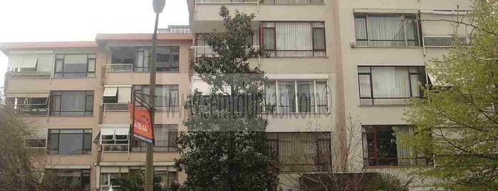 Komsum Erenköy is one of สถานที่ที่ Çağlar ถูกใจ.