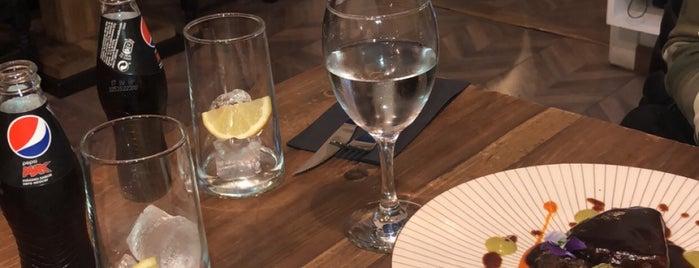 Louro is one of Restaurants 4*.