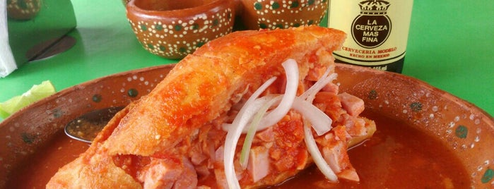 """Tortas Ahogadas """"El Güero"""" is one of Lugares favoritos de Lau."""