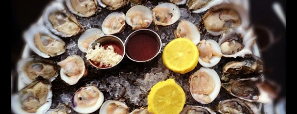 The Mermaid Inn is one of $1 Oyster Happy Hour NYC.