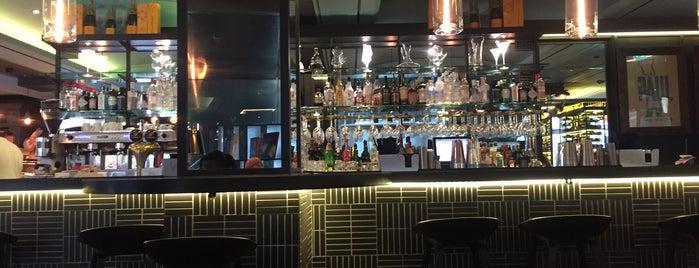 Le Restaurant de PAUL - Tower 42 is one of Maria'nın Beğendiği Mekanlar.