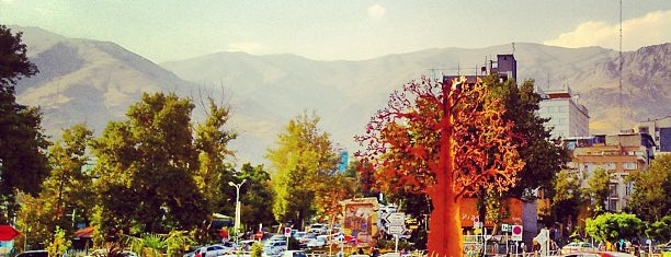 Tajrish Square | میدان تجریش is one of Tempat yang Disukai Darwich.