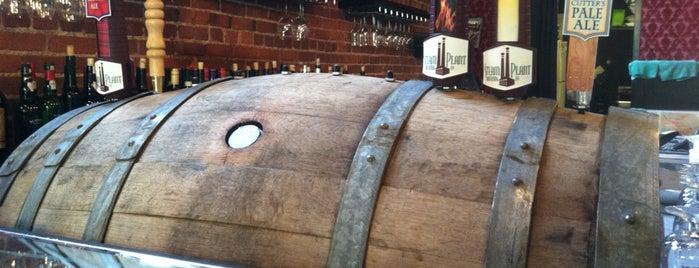 LeftBank Wine Bar is one of Saraさんの保存済みスポット.