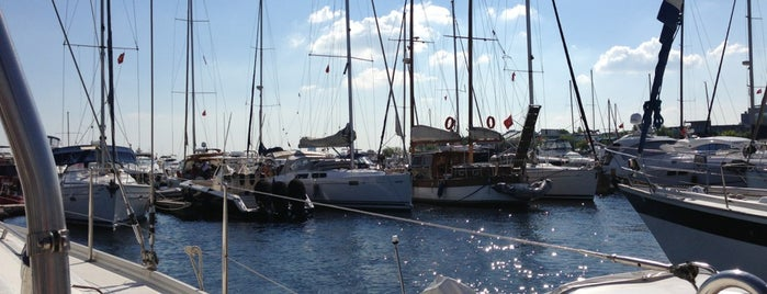 Ataköy Marina is one of Ugur e..