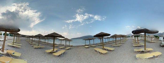 il Canto Beach Bar is one of Lieux sauvegardés par Efthimis.