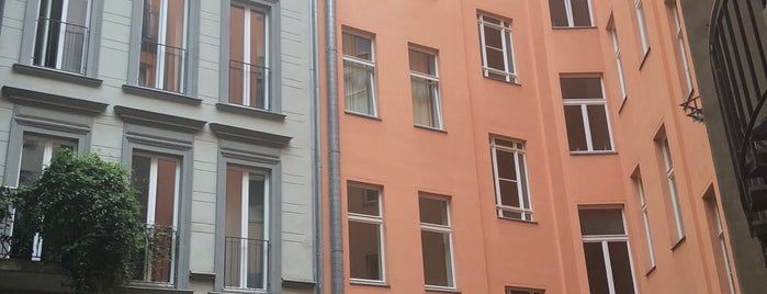 Gorki Apartments is one of Orte, die Szymon gefallen.