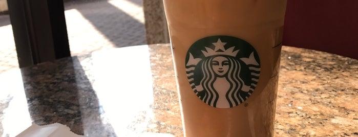 Starbucks is one of Locais curtidos por Robin.