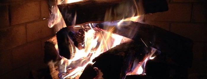 Fireside On The Patio is one of Yunus'un Beğendiği Mekanlar.