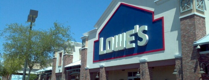 Lowe's is one of Donardさんのお気に入りスポット.