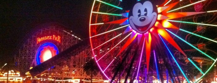Disney California Adventure Park is one of Stephania 님이 좋아한 장소.