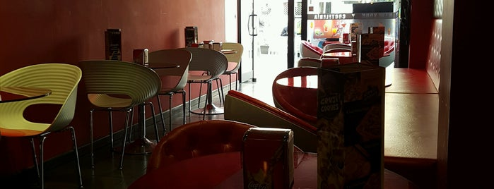 New York Cafeteria Bar is one of Sitios con WiFi en Barcelona.