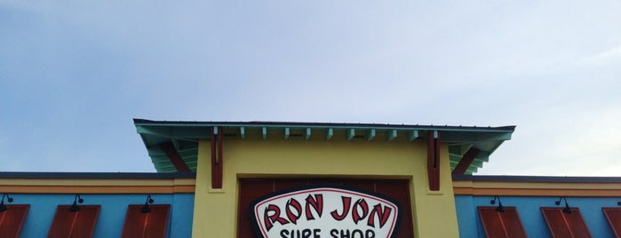 Ron Jon Surf Shop is one of Locais curtidos por Janet.