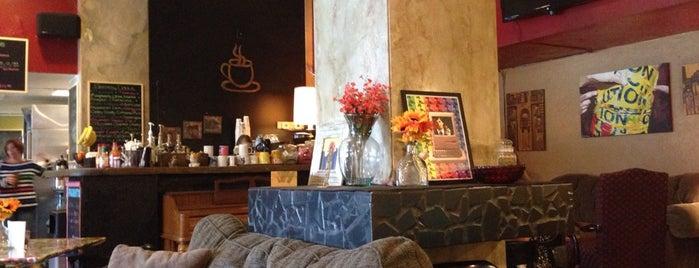 8th Street Coffee House is one of liz : понравившиеся места.