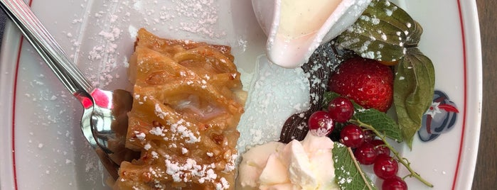 Edelweiss Alpenrestaurant is one of Lugares favoritos de Fernando.