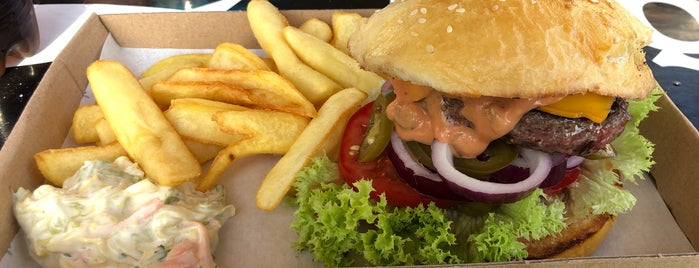 Port Burger is one of Balaton.