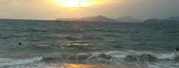 Playa Las Brisas is one of Colima , Mexico.
