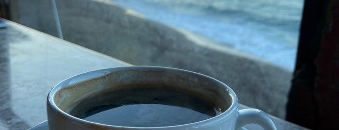 Lal Cafe Hookah is one of Tempat yang Disimpan Ayse.