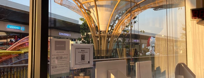 Siam Premium Outlets Bangkok is one of darunee 🌸 : понравившиеся места.