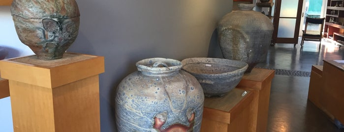 Trax Ceramics Gallery is one of BAY-ACTIVITY-art.