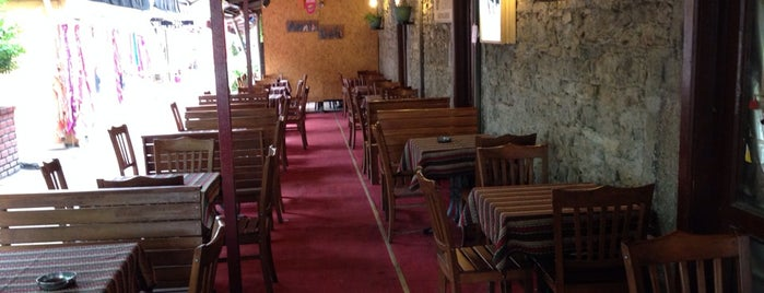 Armin Cafe is one of Orte, die Emre gefallen.