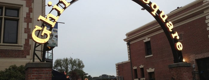 Ghirardelli Square is one of Allison 님이 저장한 장소.