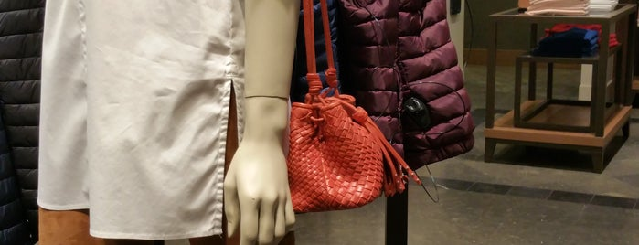 Massimo Dutti is one of Budapest.