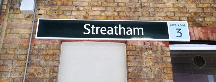 Streatham Railway Station (STE) is one of Tempat yang Disukai Barry.