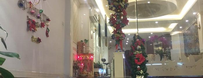 Spendora Boutique Hotel Hanoi is one of Orte, die Andrey gefallen.