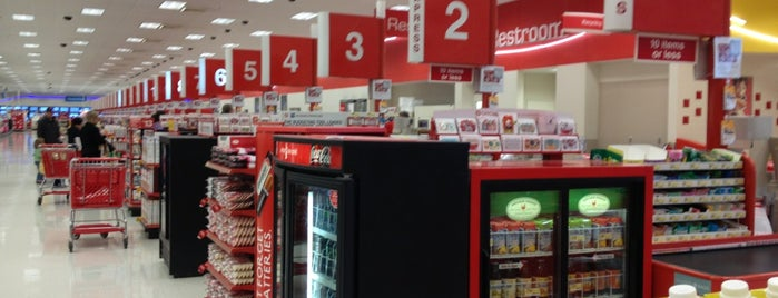 Target is one of Alisha 님이 좋아한 장소.