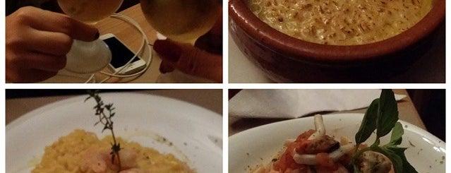Alameda gourmet is one of Orte, die Carolina gefallen.
