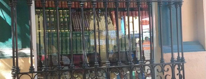 Librería Galindo is one of สถานที่ที่ Rudy ถูกใจ.