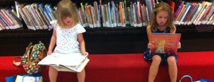 Madison Public Library is one of M'ın Beğendiği Mekanlar.
