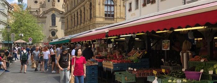 Havelské tržiště | Havelska Street Market is one of Tempat yang Disukai Taygun.