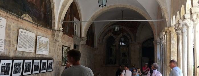 Franjevački Samostan Mala Braća is one of สถานที่ที่ Carl ถูกใจ.