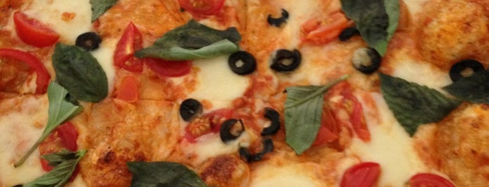 Pizza Anabella is one of Locais curtidos por Hannah.