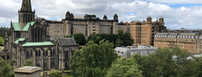 Glasgow Necropolis is one of Glasgow.