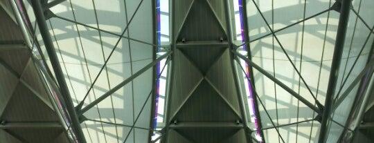 San Francisco Uluslararası Havalimanı (SFO) is one of Airports of the World.
