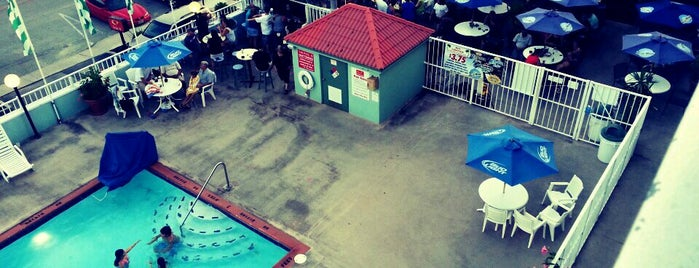 Rio Grande Pool Bar is one of Cece's Places-2.